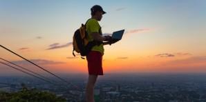 Viaggiare a Lungo Termine Lavorando Online